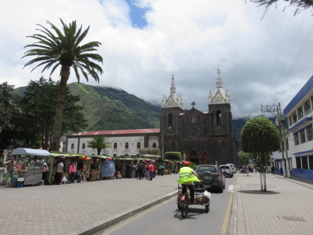 The central square in the tourist town of Baños del Agua Santa