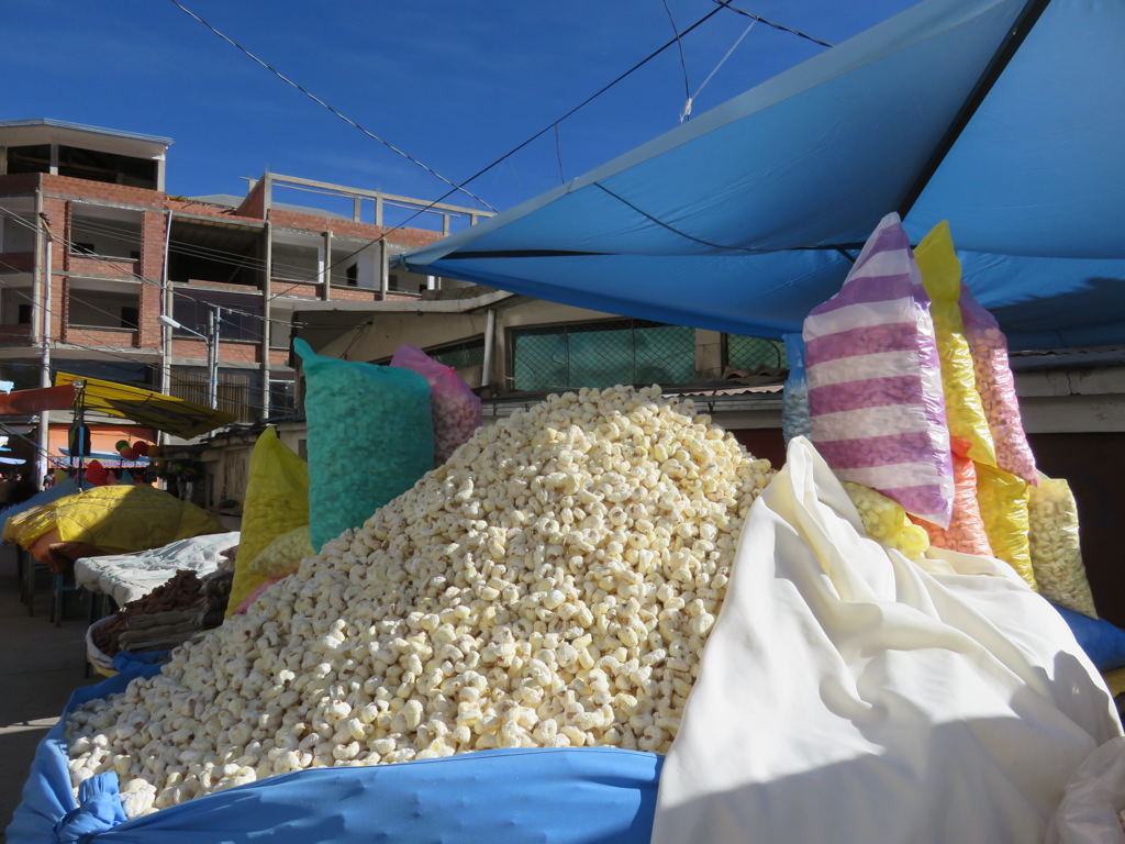Popped corn at the outdoor market